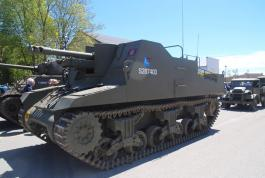Vintage Canadian Army vehicles assemble in Goderich